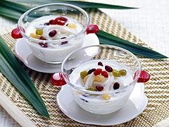 Coconut milk dessert soup