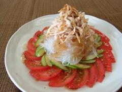 マロニーと夏野菜と蒸し鶏のサラダ