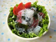 プチプチと海藻とこんにゃくのサラダ