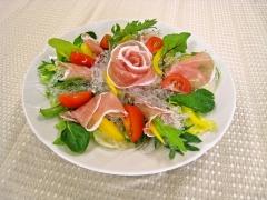 プチプチと生ハムのおもてなしサラダ(低アレルゲン)