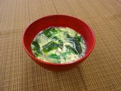 ふわふわ卵とマロニーのスープ