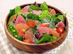 グレープフルーツ入り春野菜のプチプチサラダ