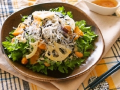 プチプチと秋食材のデリ風サラダ