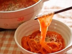 【NEW】トマト鍋で〆マロニー
